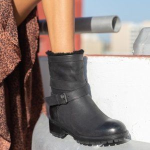 Ross & Snow Cristiana Leather Shearling Moto Boots Black Buckle Size 8 NEW